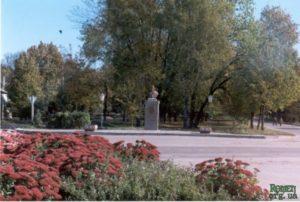 Ромен. Площа Богдана Хмельницького.