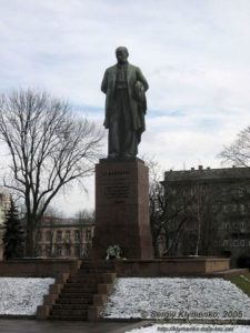 Пам'ятник ТГ. Шевченку в Києві. 1939 р. Скульптор Матвій Манізер.