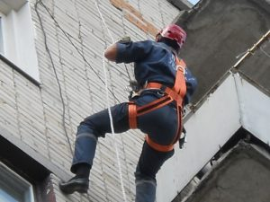 Небезпечні висотні роботи