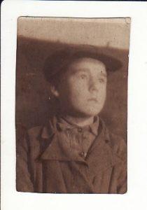 Леонід Струтинський в 1938 році, в школі №2