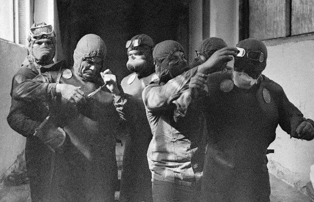 Ліквідатори Чорнобильської катастрофи.