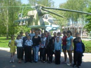 Хмелівські школярі на Конотопському авіаремонтному заводі «АВІАКОН»