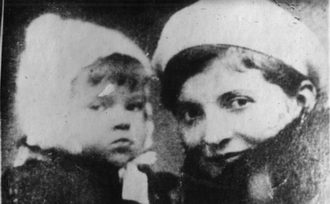 Бурковська-Мірошниченко Тетяна Іванівна і її син Коля.