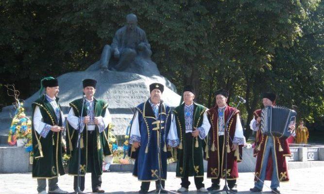 Пам'ятник Шевченку в Ромнах