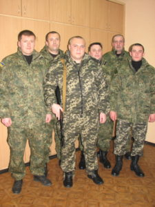 Боронити Україну на Донбас відправилися роменські міліціонери