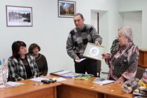 В. І. Сергієнко( перша справа ) розповідає про Навроцьких