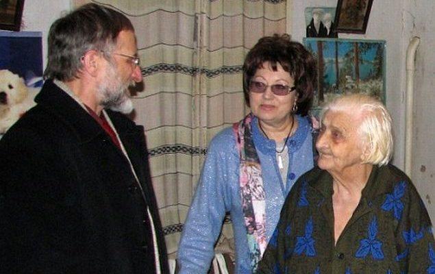 Валентина Єфремова з видатними земляками