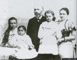 Родина І. П. Пулюя