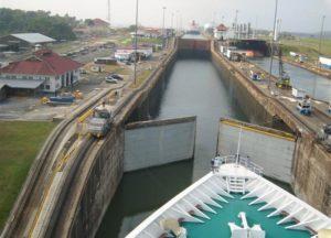 Шлюзы Панамского канала