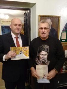 У Роменському історико-краєзнавчому музеї разом із міським головою Сергієм Салатуном.
