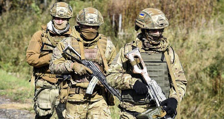 Солдати України