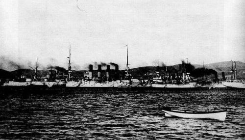 Російські кораблі покидають Євпаторію